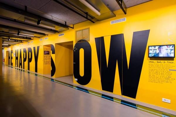 Stephan sagmeister the happy show 1